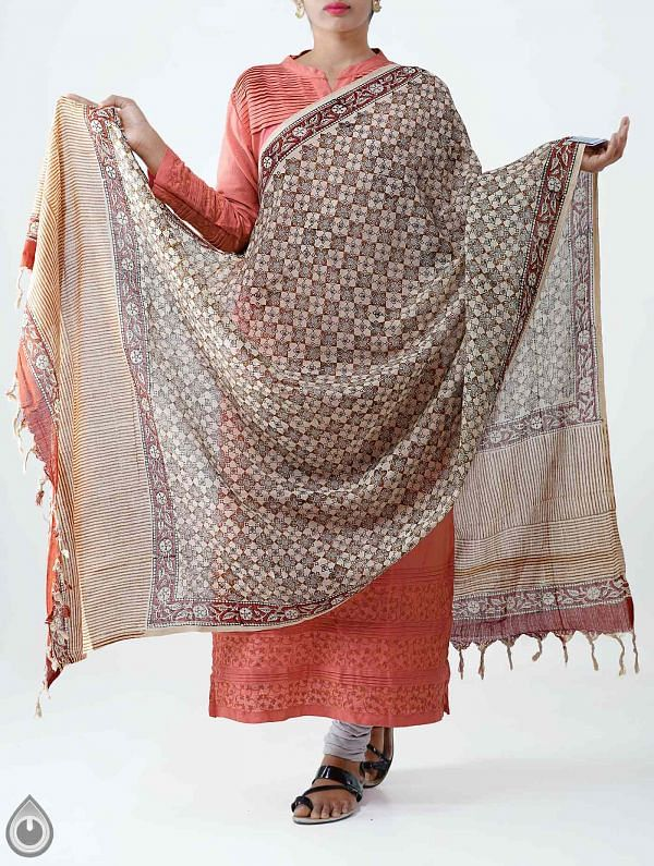 Online Shopping for Beige Pure Bagru Rajasthani Cotton Dupatta with Bagru prints from Rajasthan at Unnatisilks.com India