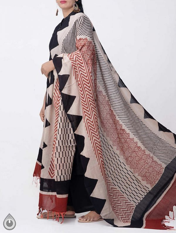 Online Shopping for Ivory Bagru Printed Pure Cotton Dupatta with Bagru Prints from Rajasthan at Unnatisilks.comIndia