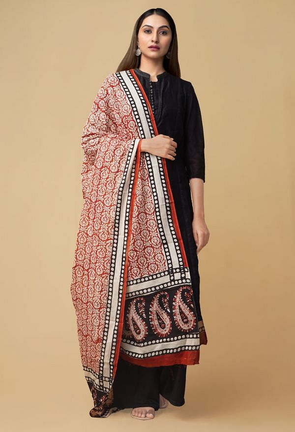 Online Shopping for Red Bagru Printed Pure Mulmul Cotton Dupatta with Bagru Prints from Rajasthan at Unnatisilks.comIndia