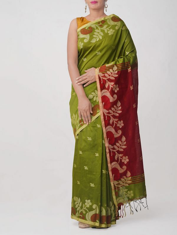 Green Pure Handloom Bengal Linen Saree with Tassels