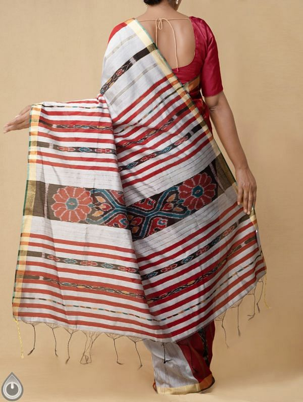 Grey-Red Pure Handloom Bengal Ikat Cotton Saree with Tassels