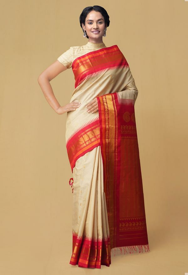 Cream Pure Handloom Gadwal Silk Checks Saree