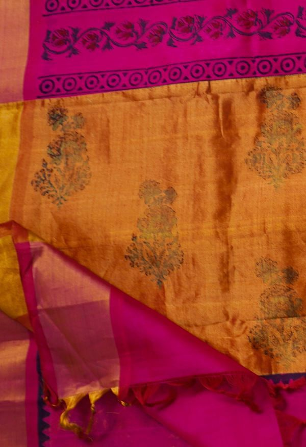 Online Shopping for Red Pure Handloom Kanchi Silk Cotton Saree with Batik Prints from Rajasthan at Unnatisilks.comIndia