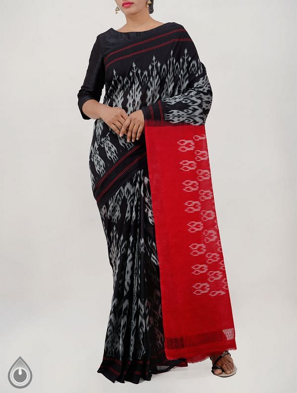 Black Pure Handloom Pochampally Ikat Saree With Intricate Design-UNT044