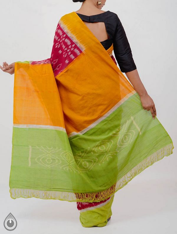 Red Pure Handloom Pochampally Ikat Cotton Saree With Intricate Designs-UNT064
